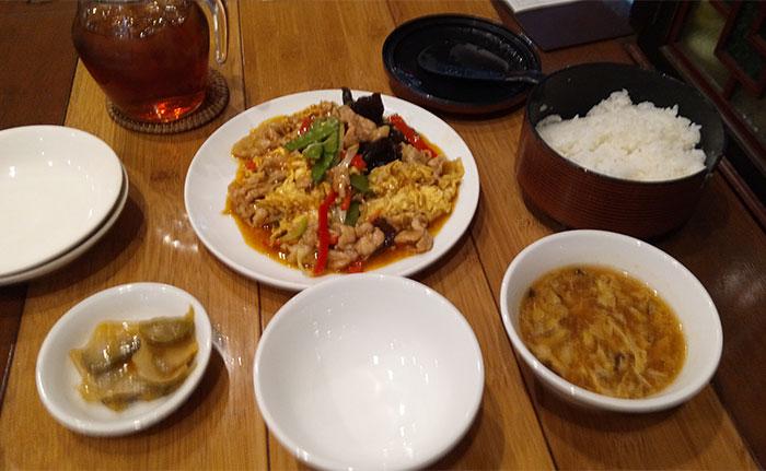 豚肉とキクラゲのピリ辛玉子炒め(980円)