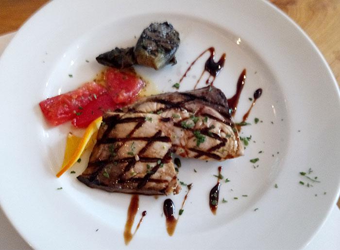 ブリのグリル バルサミコソース(茄子とズッキーニのグリルマリネ トマトサラダ付)