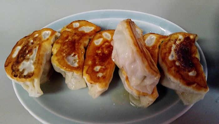 焼餃子(540円)