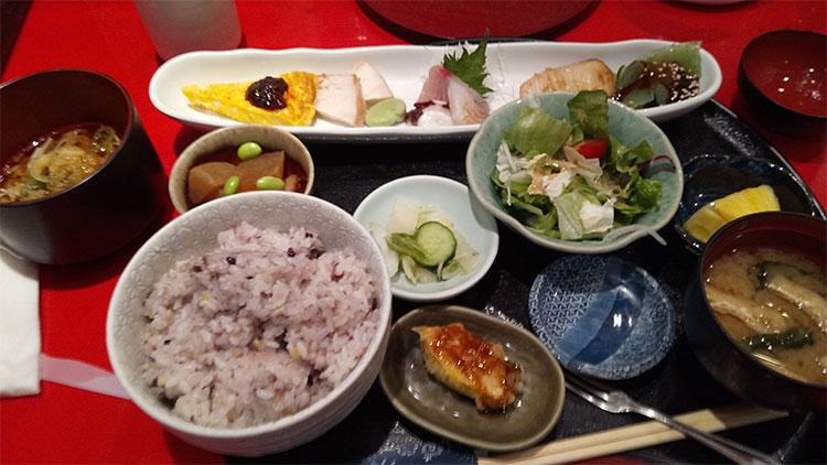 よくばり定膳(970円)