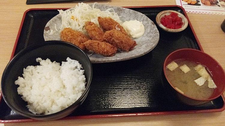 カキフライ定食[5個](680円)