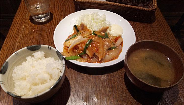 豚キムチ定食(900円)