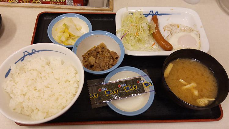 ソーセージエッグ定食(400円)