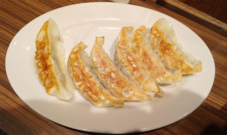 焼き餃子(140円)