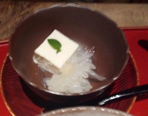 豆腐かと思いきや