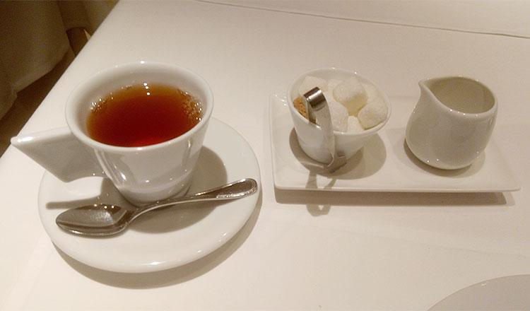 紅茶 or コーヒー