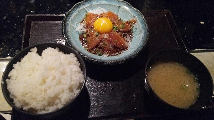 胡麻ブリ定食(850円)