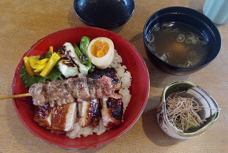 焼鳥丼(1,200円)