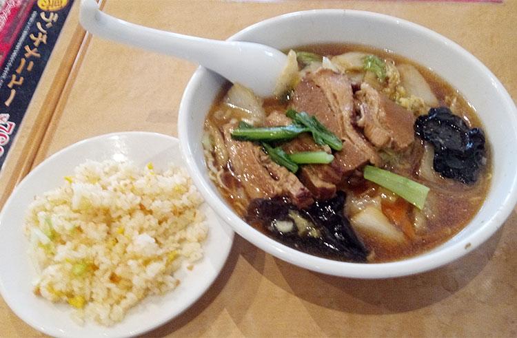 豚肉の角煮麺セット(820円)