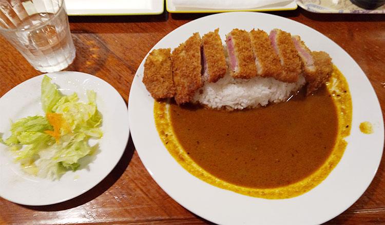 牛カツカレー(1,030円)
