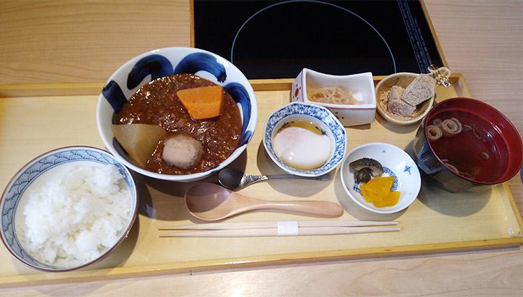 一汁三菜 牛味噌シチュー(1,620円)