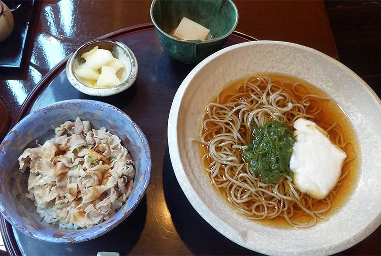 お昼の蕎麦セット(1,000円)