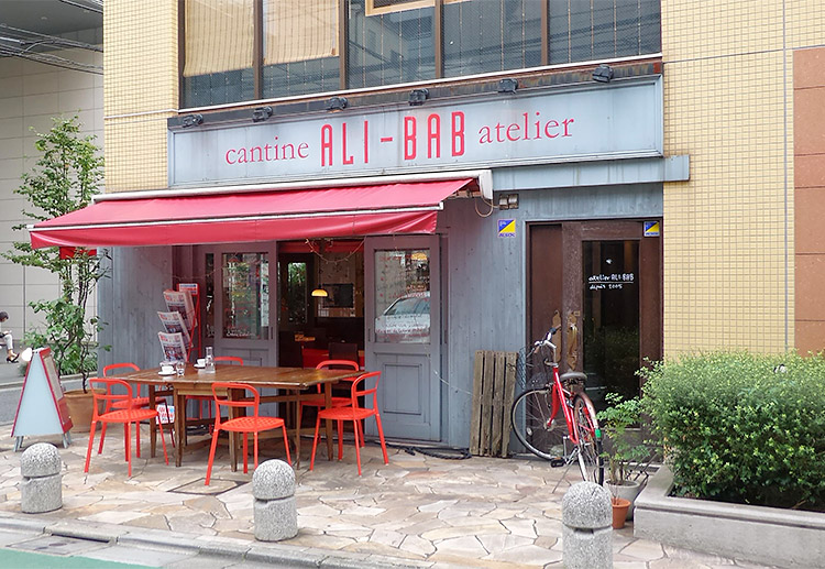 「カンティーヌ アリ・バブ(Cantine ALI-BAB)」で「牛肉のラグー&スペッツル(1,380円)」のランチ