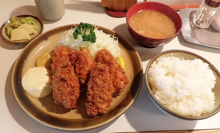 カキフライ定食(1,500円)