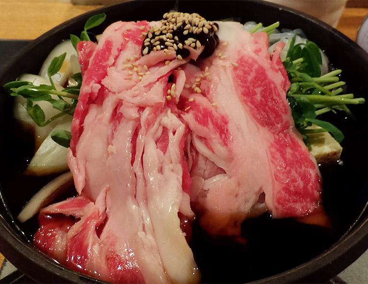 「赤坂 仁屋(じんや)」で「五寸鍋(すき焼き)[国産牛] 1,200円」でランチ