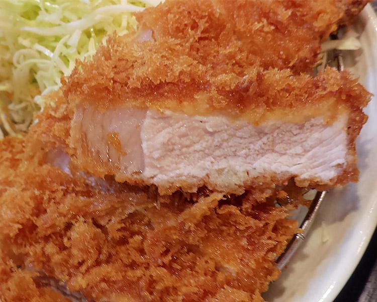 ロースかつ定食(1,180円)