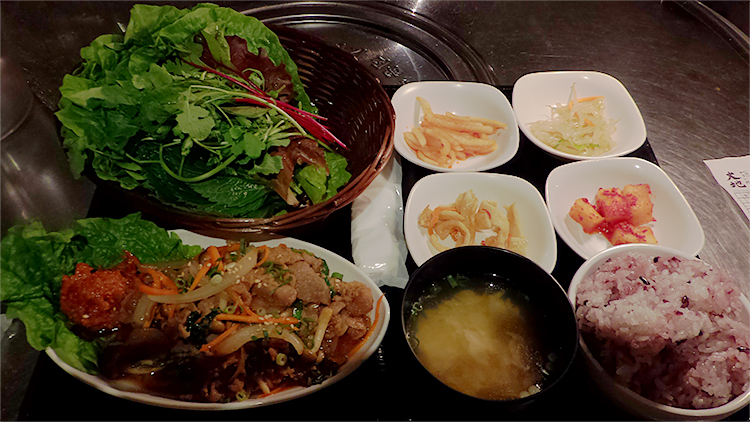 サンパ定食[豚プルコギ](930円)