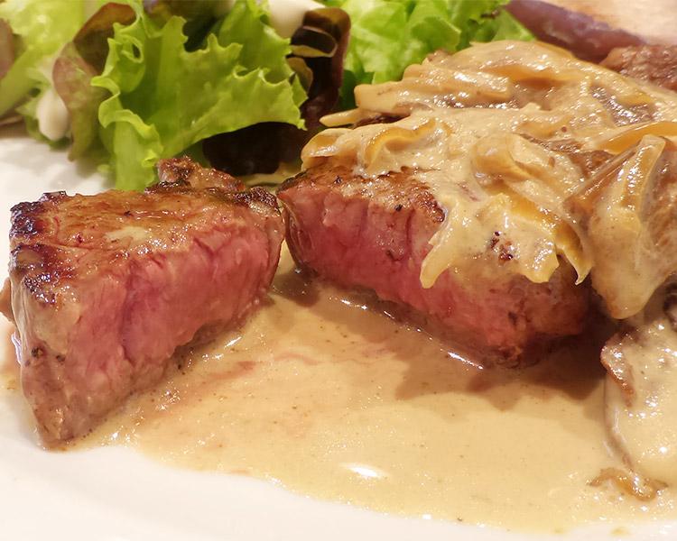 「やさいや 鉄板焼野菜 赤坂店」で「北海道産あか牛のステーキ(1,080円)」肉の日ランチ
