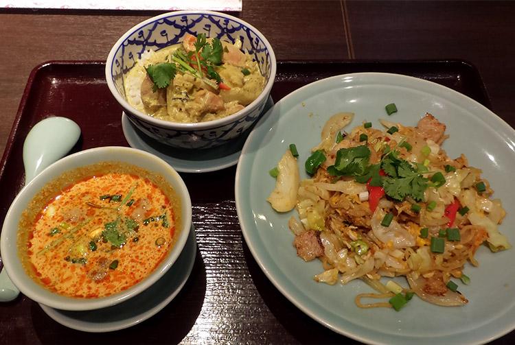 タイ風やきそば&グリーンカレー丼[日替わりランチ](1,350円)