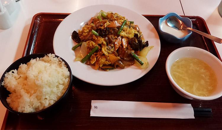 キクラゲ・玉子・豚肉の炒め(870円)