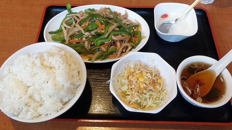チンジャオロース定食(800円)