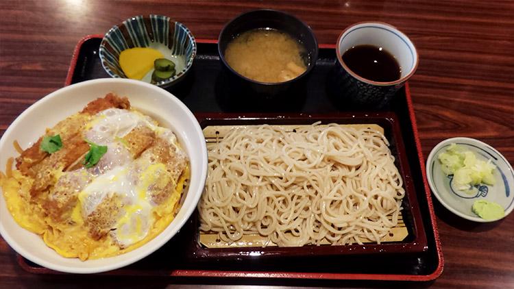 かつ丼+もり蕎麦セット(980円)