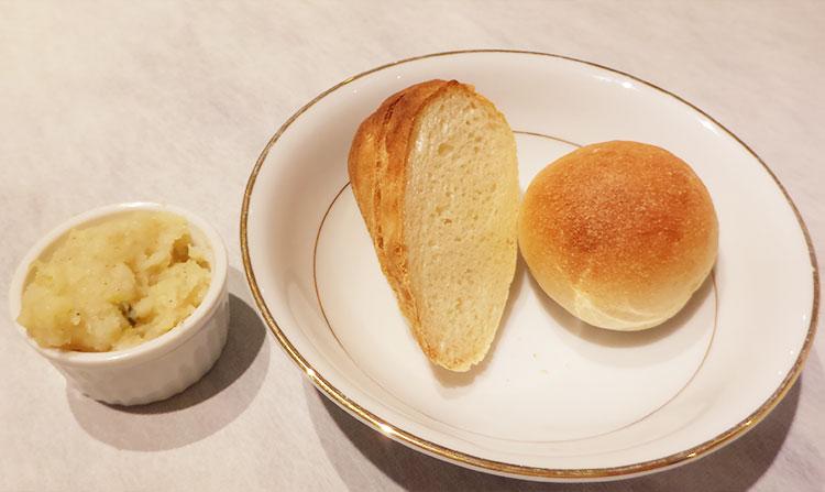 スタンダード ランチ A[サーモンのパイ包み](1,620円)