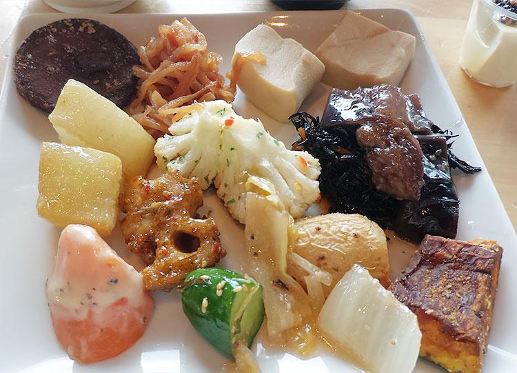 野菜と惣菜 盛り放題(1,200円)