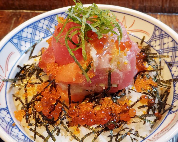 海鮮丼(890円)