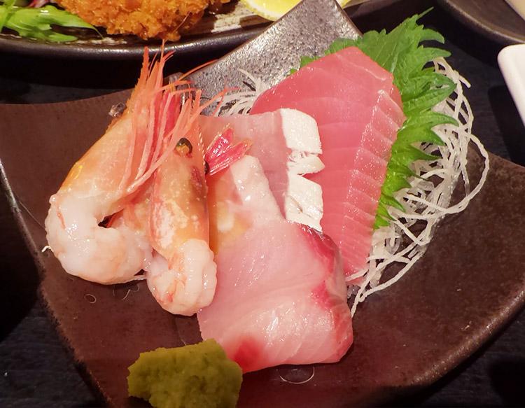 広島県江田島のカキフライ +刺身五種