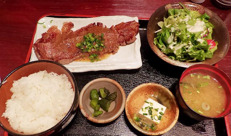 リブロースステーキ 200g(1,000円)