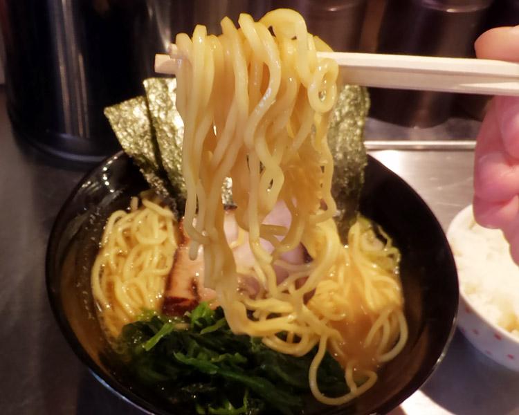 醤油豚骨らーめん(700円)