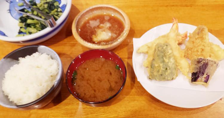 天ぷら定食(1,100円)