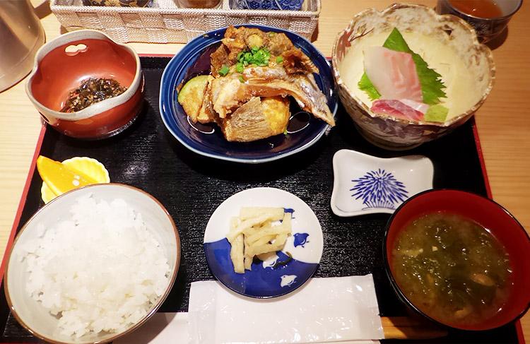 お魚御膳(1,080円)