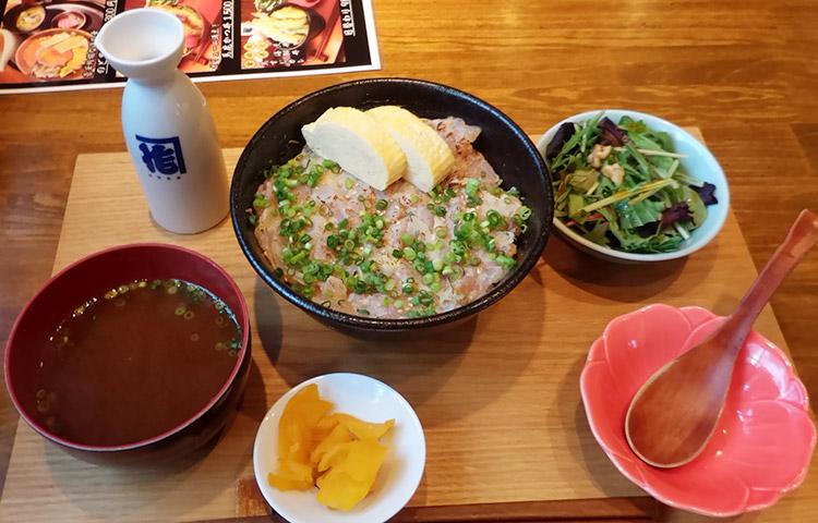 のど黒丼(1,300円)