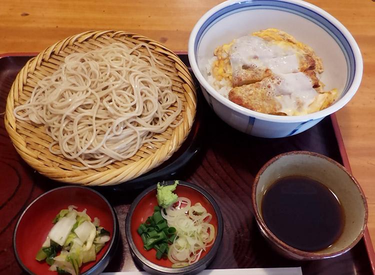 カツ丼&もりそばセット(880円)
