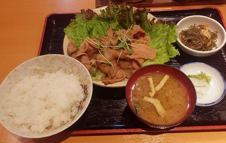 豚の生姜焼き定食(850円)