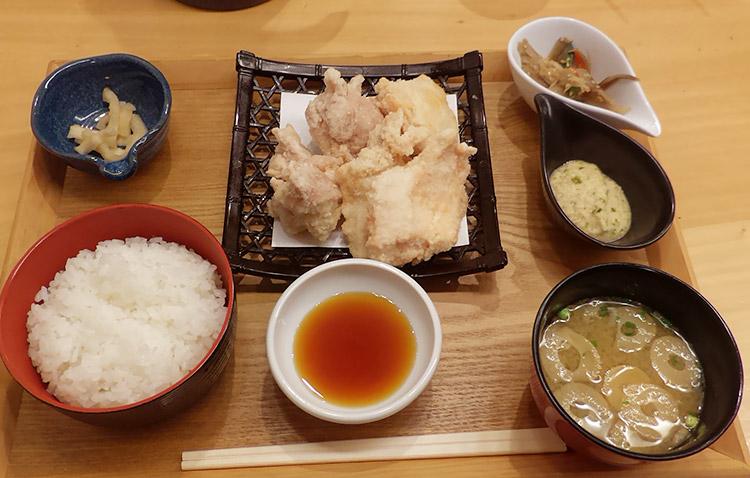 白いから揚げ定食(1,200円)