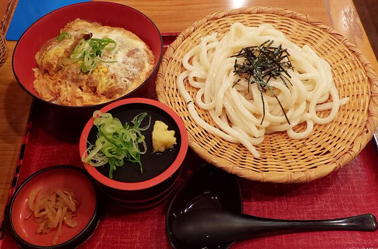 かつ丼&うどん定食(950円)