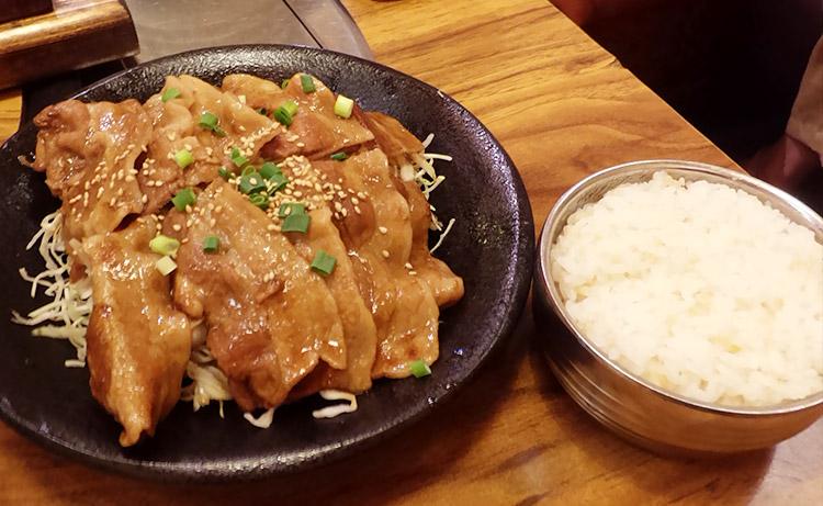 タレ付けサムギョプサル定食(880円)