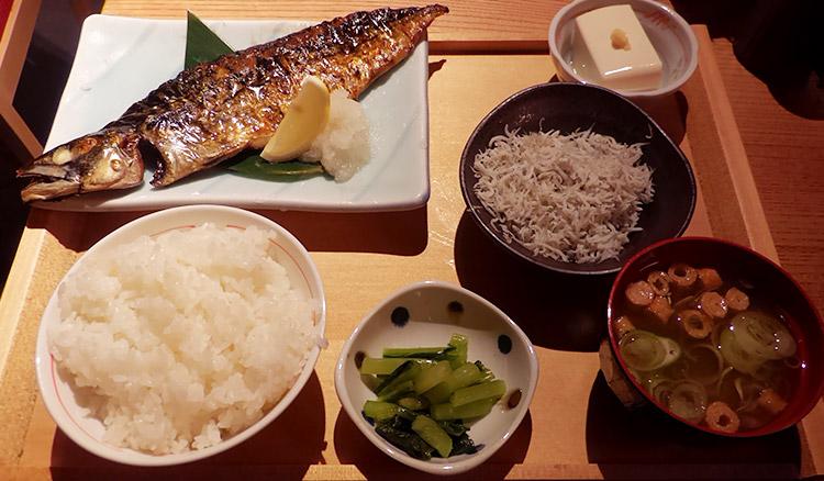 旨いトロ鯖塩焼定食(1,000円)