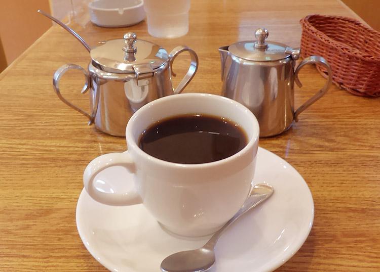 喫茶店「ディンゴ(DINGO)」で「シーフードチャウダー(1,000円)」のランチ