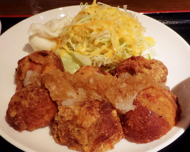「本格炭火焼鶏 酒楽」で「唐揚げおろしポン酢定食(750円)」のランチ