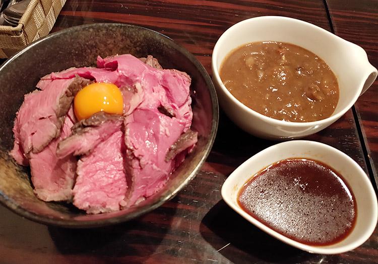 「肉バル酒場 ラッキー ルウ」で「ローストビーフ丼(650円)」&「ミニカレー(150円)」のランチ