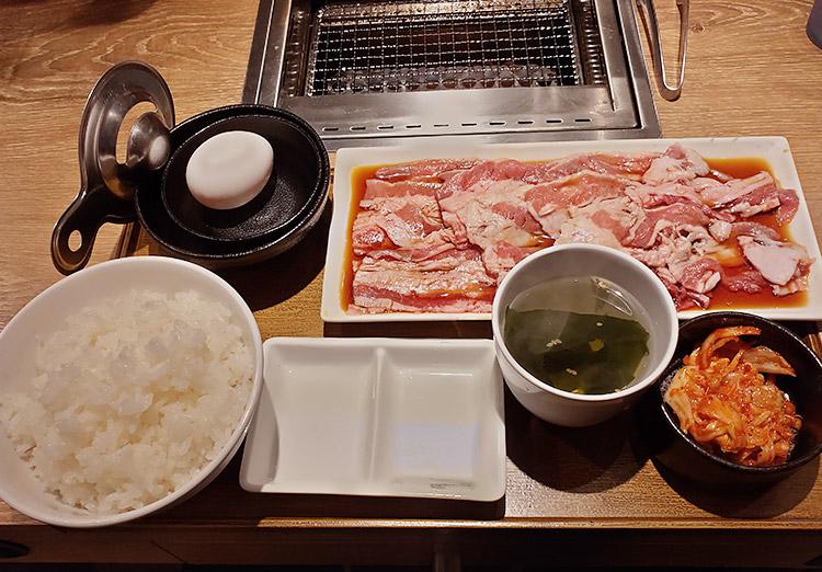 牛すき焼肉プレート[200g](1,010円)