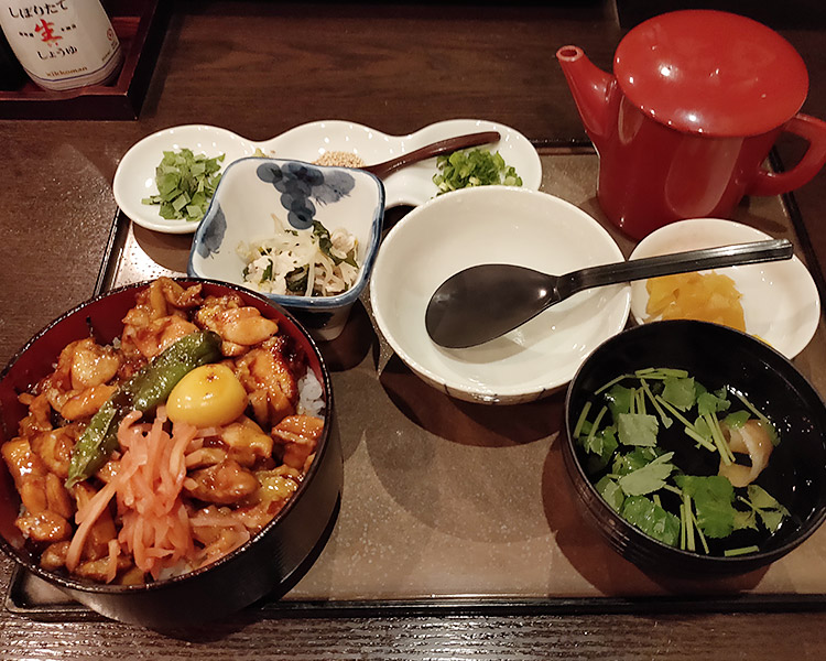 「炭火焼鳥 もり穂」で「福島県産伊達鶏のひつまぶし(1,200円)」のランチ