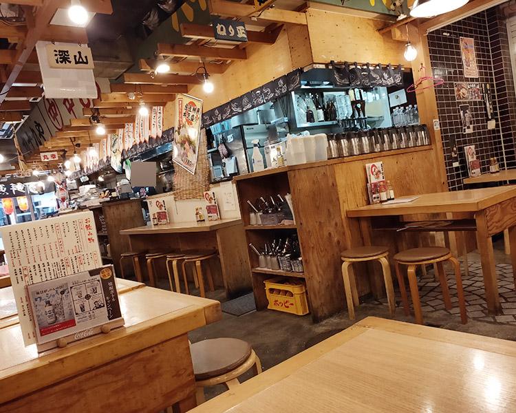 「丸冨水産 赤坂店」で「丸冨お得定食(1,000円)」のランチ