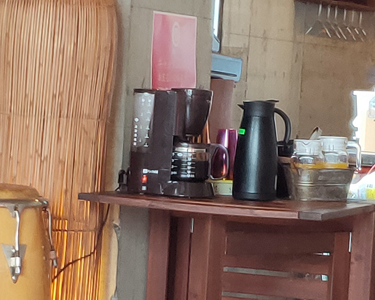 キューバ料理「モヒート テラス ラウンジ アイナマ(AHINAMA)」で「アロス・コン・フリホーレス(800円)」のランチ