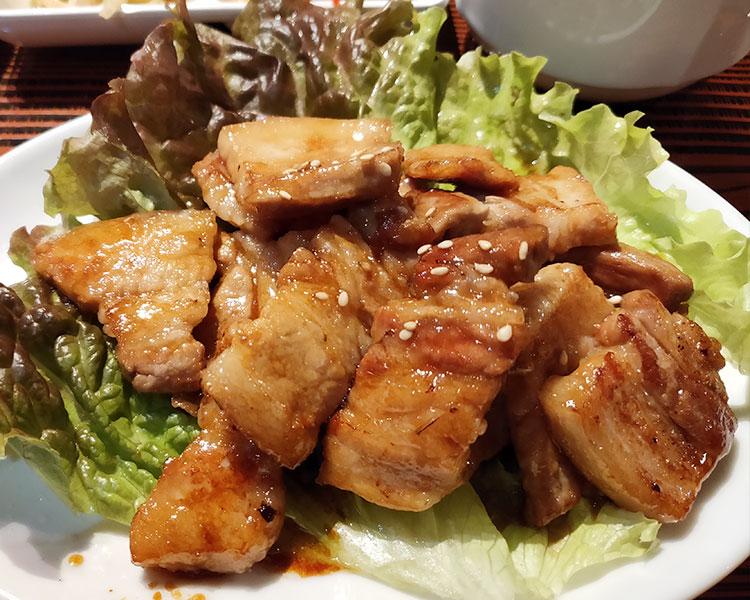 「別味亭(ベョルミジョン)」で「サムギョプサル定食[タレ](1,150円)」のランチ